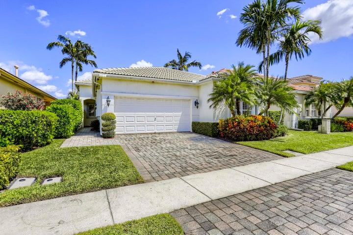107 Via Condado Way, Palm Beach Gardens, FL 33418