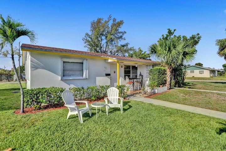 591 Silver Beach Road, Riviera Beach, FL 33403