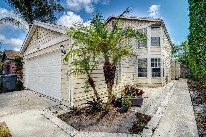 1324 Strawberry Lane, West Palm Beach, FL 33415