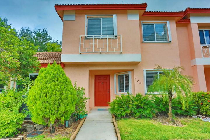 673 NW 208th Terrace, Pembroke Pines, FL 33029