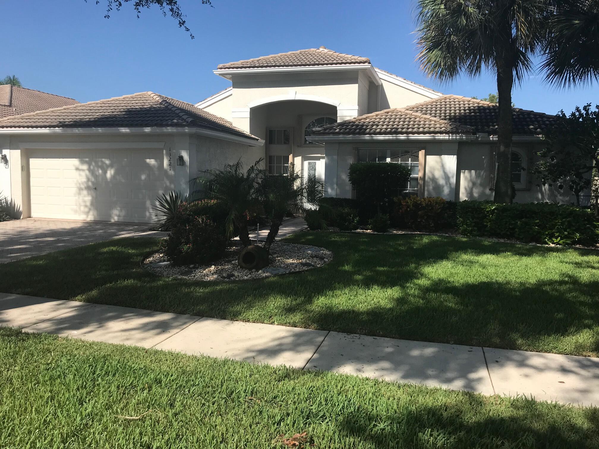 13221 Alhambra Lake Circle, Delray Beach, FL 33446