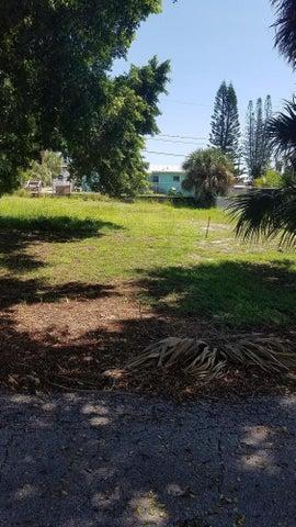 1795 NE 22nd Drive, Jensen Beach, FL 34957