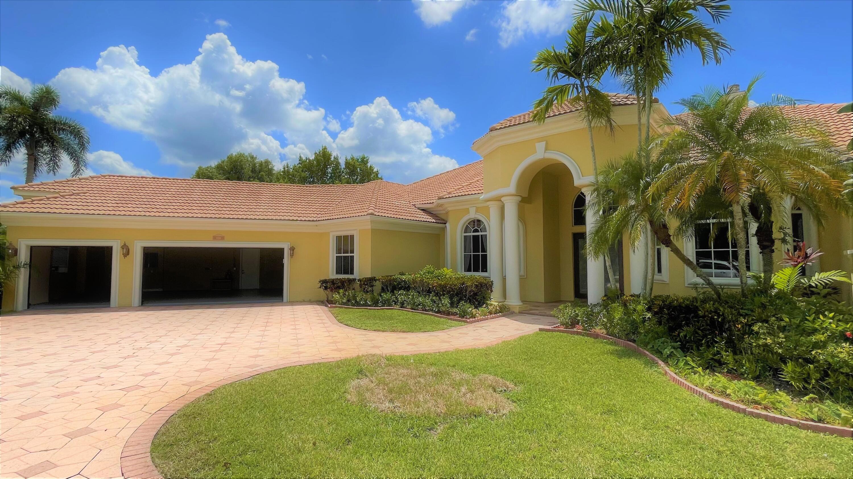 8280 Woodsmuir Drive, Palm Beach Gardens, FL 33412