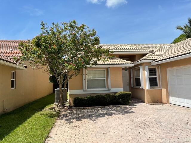 13285 Majestic Pine Court, Delray Beach, FL 33484