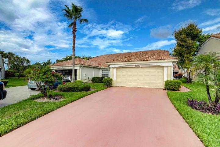 15405 Lake Gardenia Place, Delray Beach, FL 33484