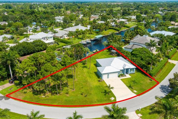 2070 NW Pine Tree Way, Stuart, FL 34994