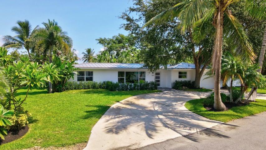 709 SW 27th Avenue, Boynton Beach, FL 33435