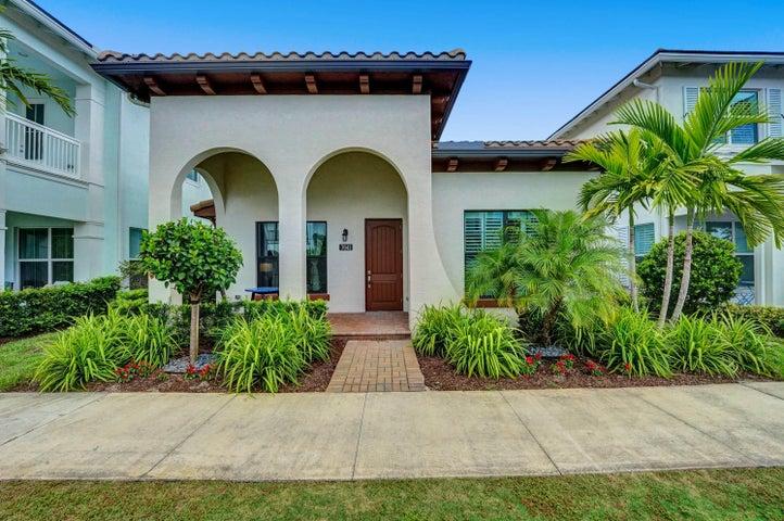 7041 Edison Place, Palm Beach Gardens, FL 33418