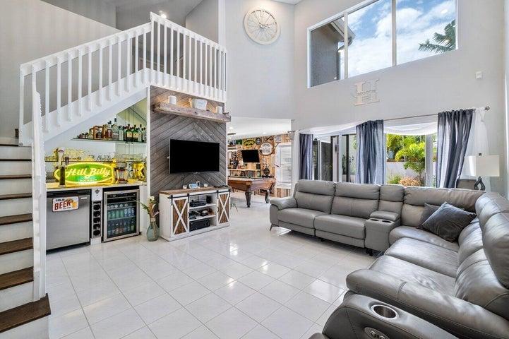 10682 Wheelhouse Circle, Boca Raton, FL 33428