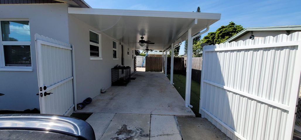 944 Francis Street, West Palm Beach, FL 33405