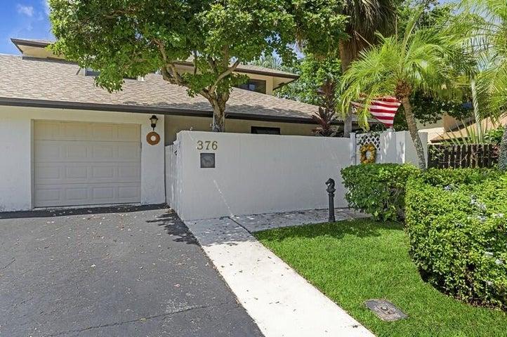 376 SW 28th Avenue, Delray Beach, FL 33445