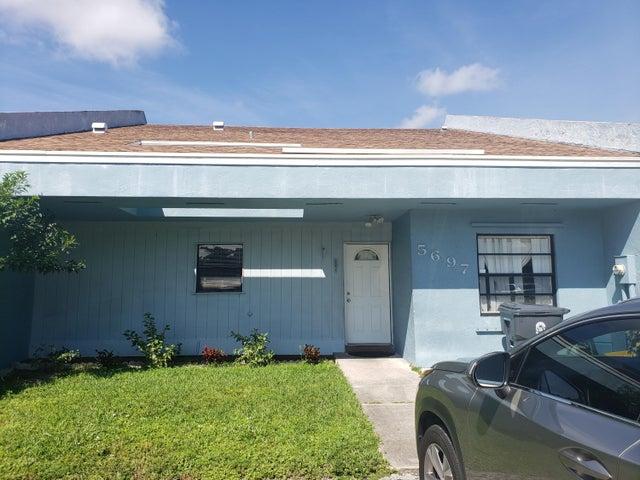 5697 Waltham Way, Lake Worth, FL 33463
