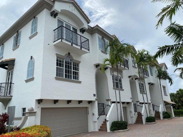 618 Renaissance Lane, Delray Beach, FL 33483