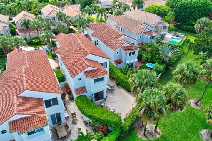 Stunning 2 story Home
