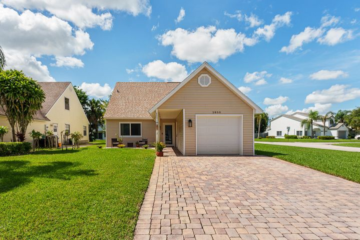 2850 Black Pine Court, Lake Worth, FL 33462