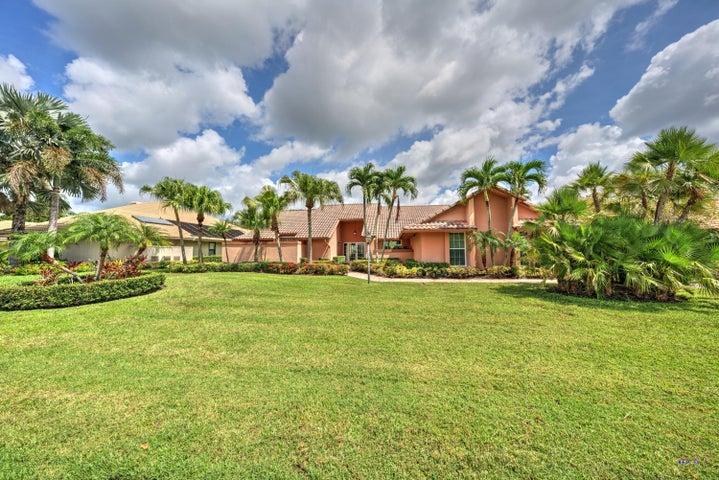 52 Dunbar Road, Palm Beach Gardens, FL 33418