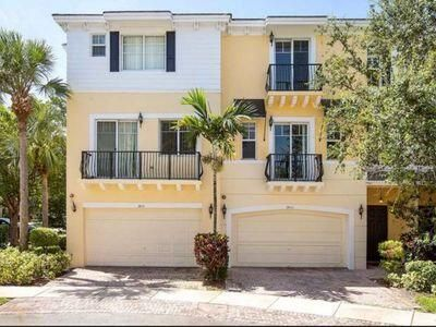 3853 NW 5th Terrace, Boca Raton, FL 33431