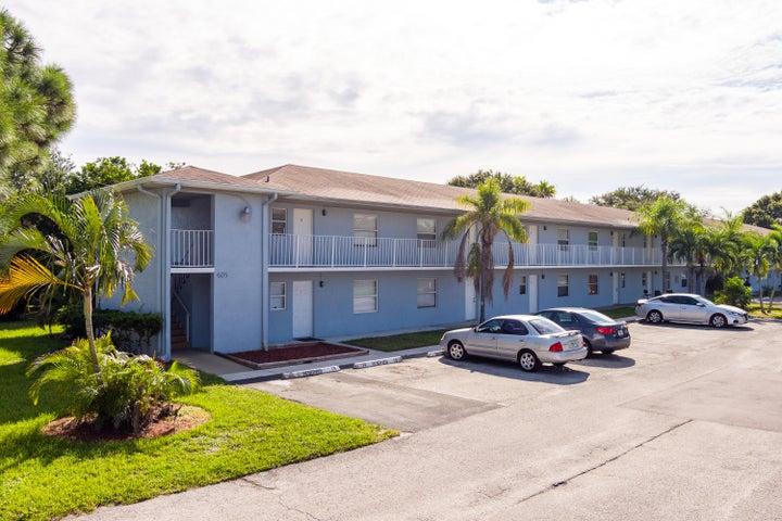 617 Ixoria Avenue, 1, Fort Pierce, FL 34982