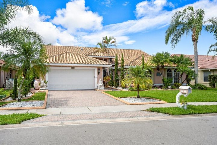5044 NW 100 Ter Terrace, Coral Springs, FL 33076