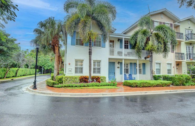 1056 E Heritage Club Circle, Delray Beach, FL 33483