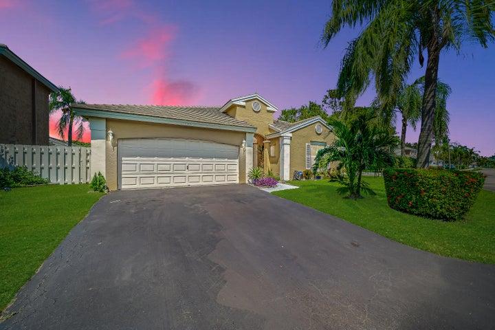 5305 NW 54 Street, Coconut Creek, FL 33073