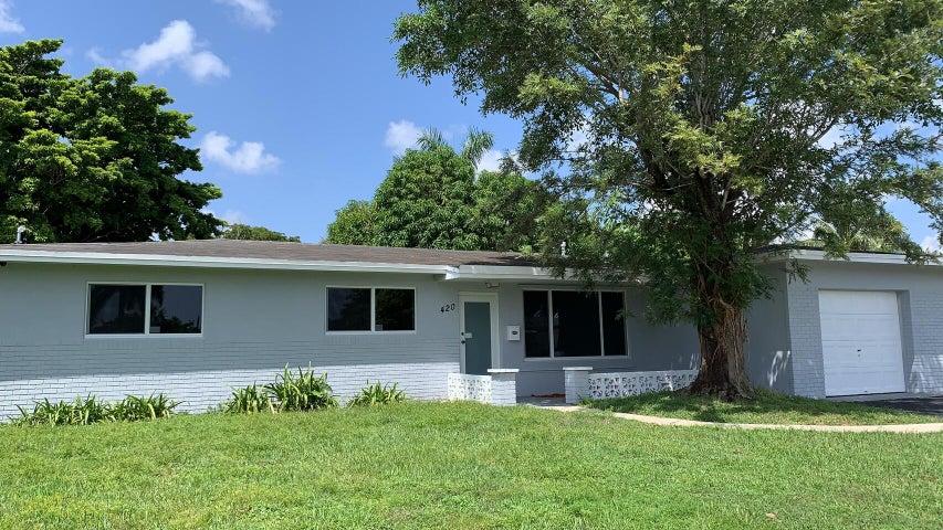 420 NW 77 Way, Pembroke Pines, FL 33024