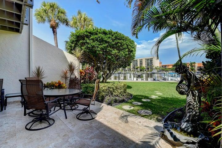 2677 N Ocean Boulevard, Th17, Boca Raton, FL 33431