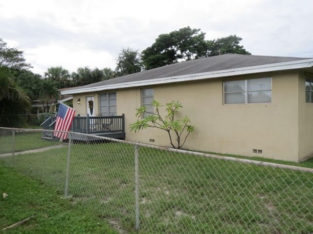 855 E Dolphin Ridge Road, West Palm Beach, FL 33406