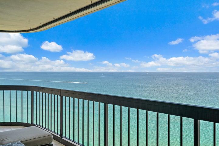 5380 N Ocean Drive, 22-E, Singer Island, FL 33404