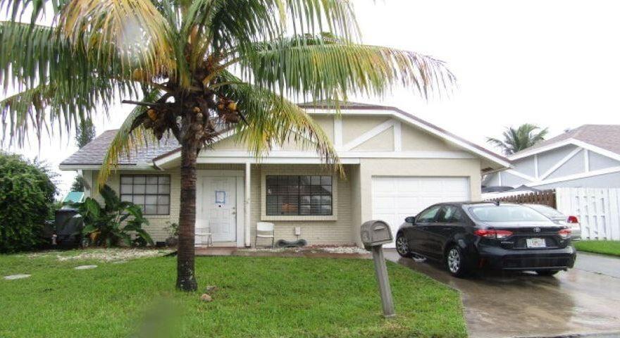 10534 Country Club Terrace, Boca Raton, FL 33428