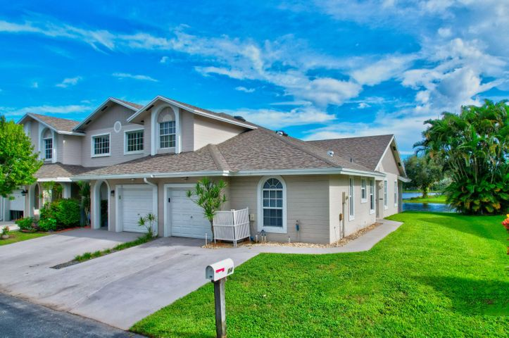 14 Desford Lane, Boynton Beach, FL 33426