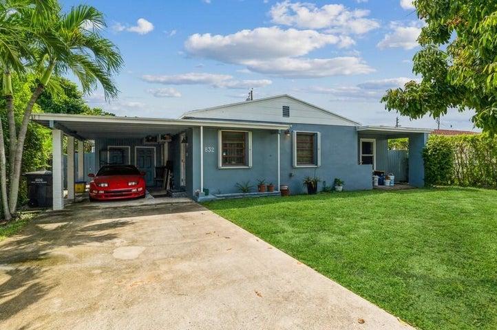 832 Fernwood Drive, West Palm Beach, FL 33405