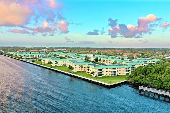 16 Colonial Club Drive, 105, Boynton Beach, FL 33435