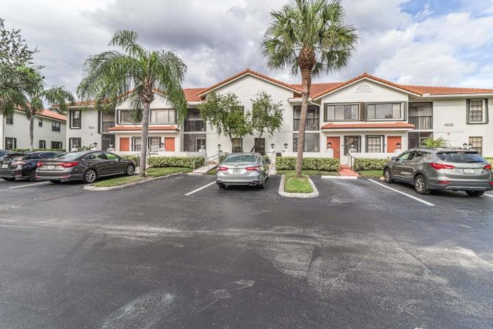 9656 Sills Drive E, 102, Boynton Beach, FL 33437