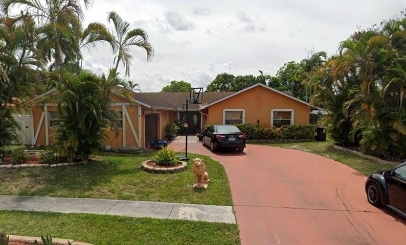 1207 Woodcrest Road W, West Palm Beach, FL 33417