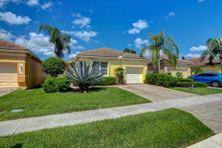 7033 Del Corso Lane, Delray Beach, FL 33446