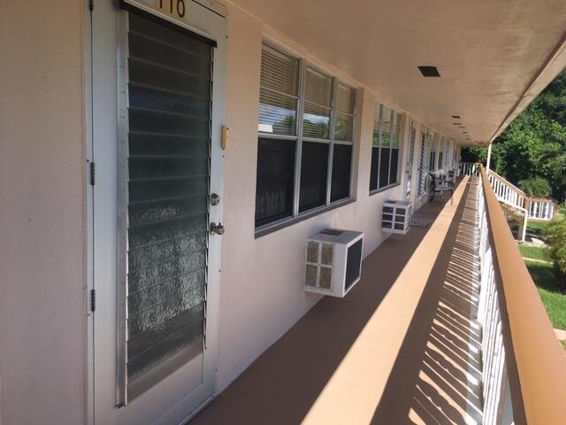 110 Hastings G, West Palm Beach, FL 33417
