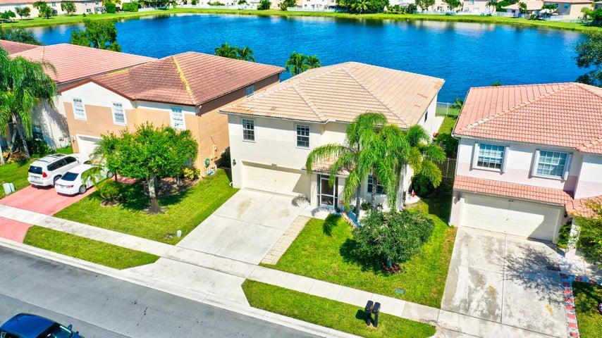 6666 Rainwood Cove Lane, Lake Worth, FL 33463