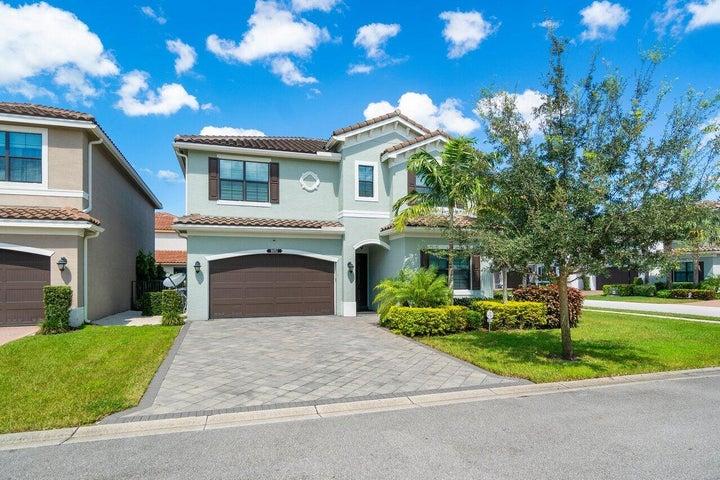 8051 Green Tourmaline Terrace, Delray Beach, FL 33446