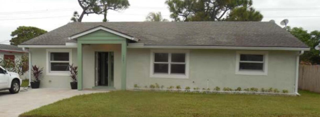 4907 Royal Court N, West Palm Beach, FL 33415