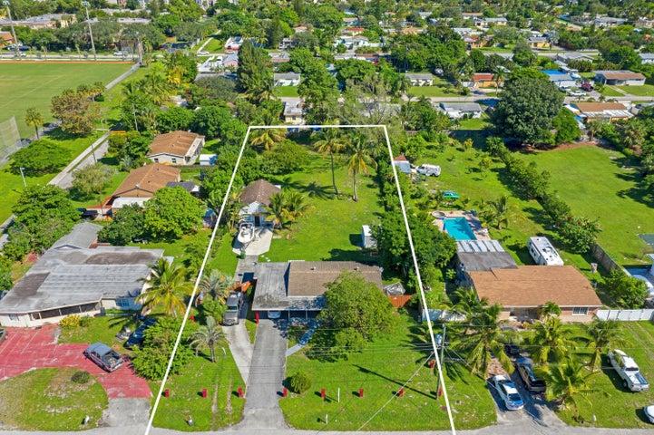 3201 Drew Way, Palm Springs, FL 33406