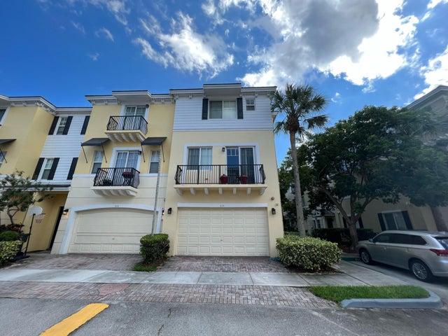 535 NW 39th Circle, Boca Raton, FL 33431
