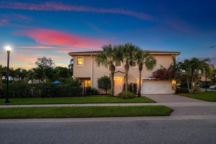 4560 Cadiz Circle, Palm Beach Gardens, FL 33418