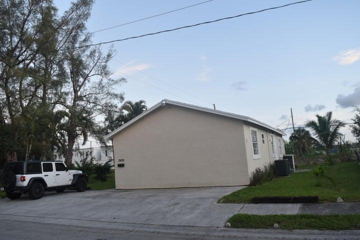 2400 Oswego Avenue, West Palm Beach, FL 33409