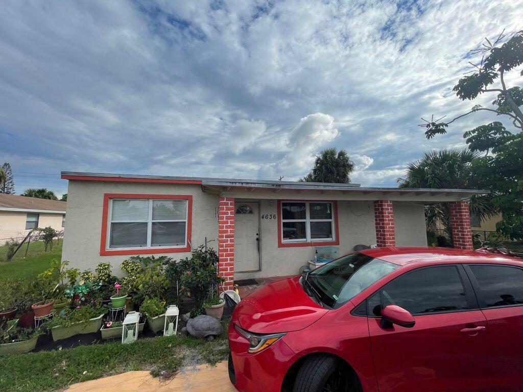 4636 Myrtle Lane, West Palm Beach, FL 33417
