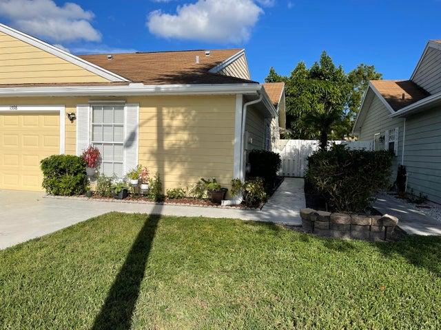 1598 Royal Forest Court, West Palm Beach, FL 33406