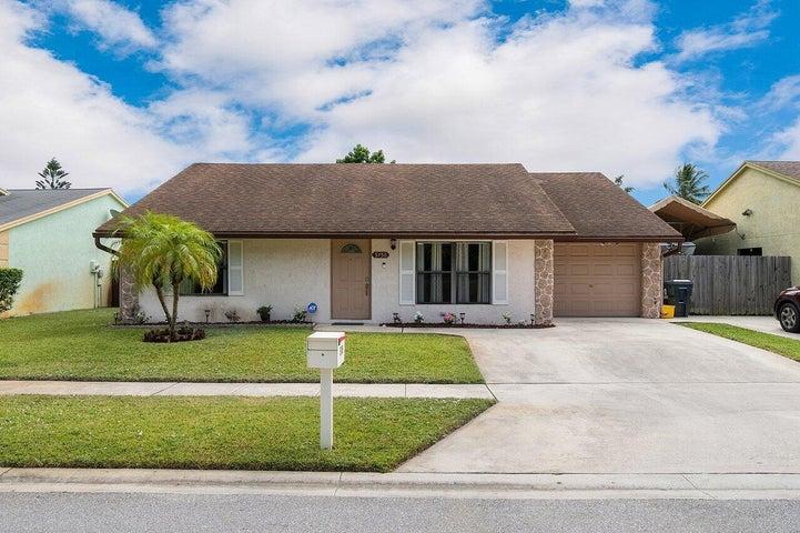 5756 Ellis Hollow Road E, Lake Worth, FL 33463