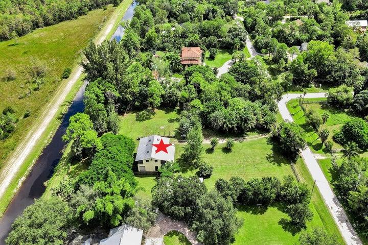 8709 159th Court N, Palm Beach Gardens, FL 33418