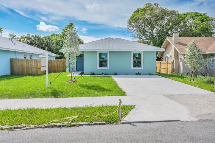 3121 Pinewood Avenue, West Palm Beach, FL 33407