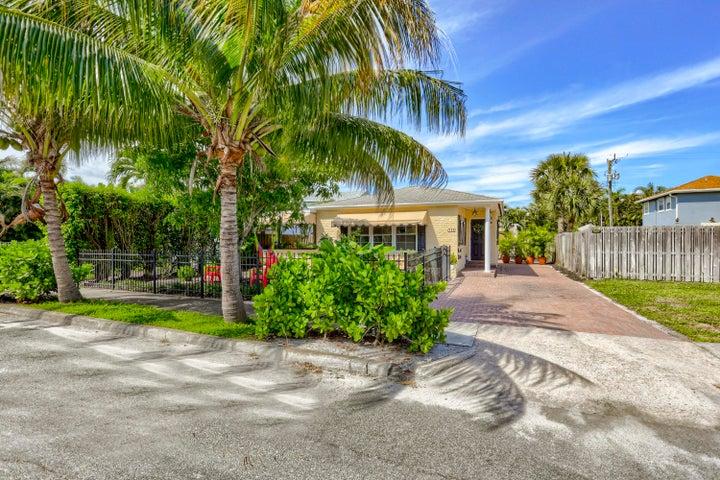143 Greymon Drive, West Palm Beach, FL 33405